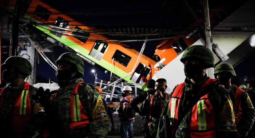Un pont s'effondre sous une rame de métro à Mexico, 20 morts et près de 70 blessés