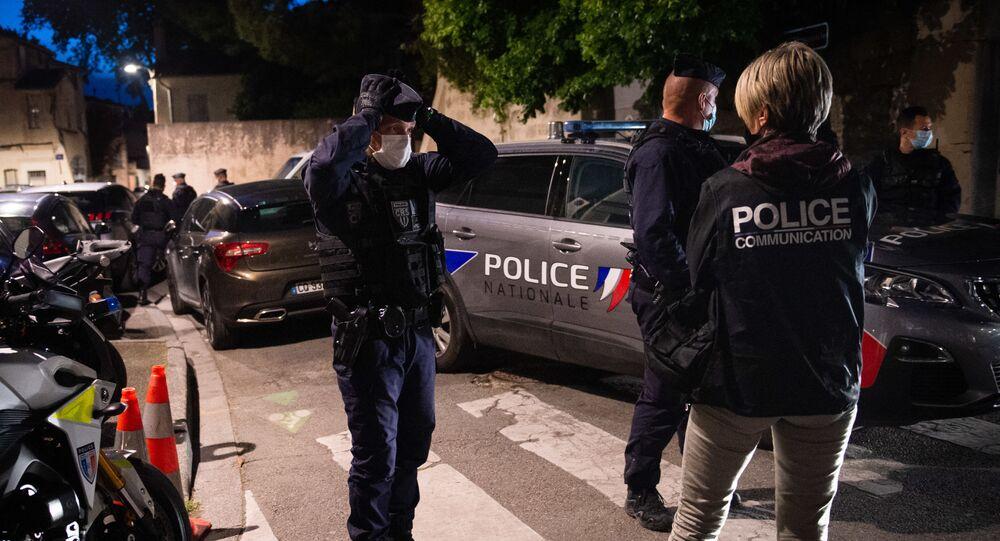 des policiers à Avignon, le 5 mai 2021