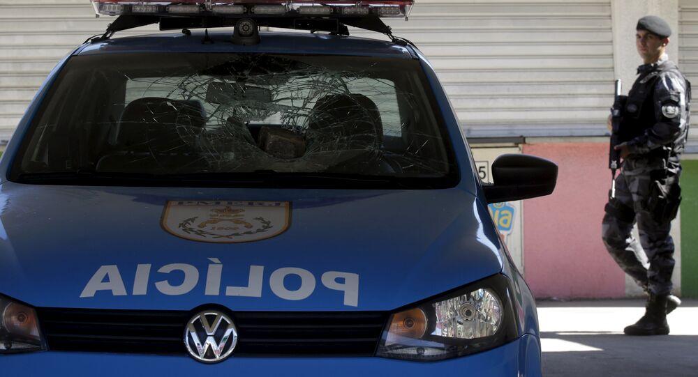 Policier à Rio