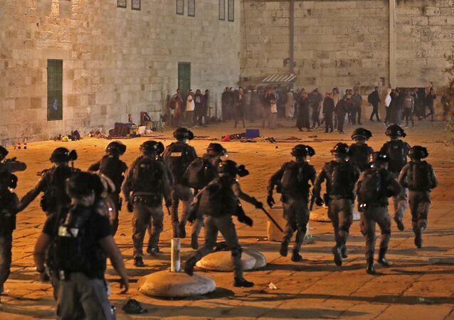heurts entre Palestiniens et police israélienne à Jérusalem