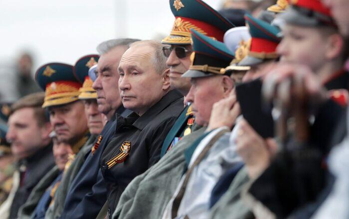 Le Président Poutine lors du défilé militaire consacré au 76e anniversaire de la Victoire contre l'Allemagne nazie