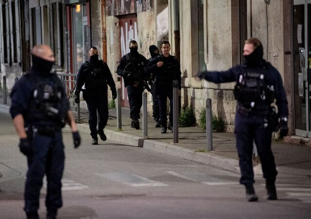 Situation à Avignon après le meurtre du policier lors d'une opération anti-drogue