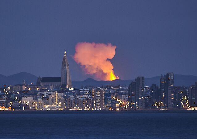 Volcan en Islande, la photo prise le 5 mai 2021
