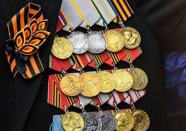 Décorations d'un ancien combattant présent le 9 mai 2021 au défilé militaire sur la place Rouge