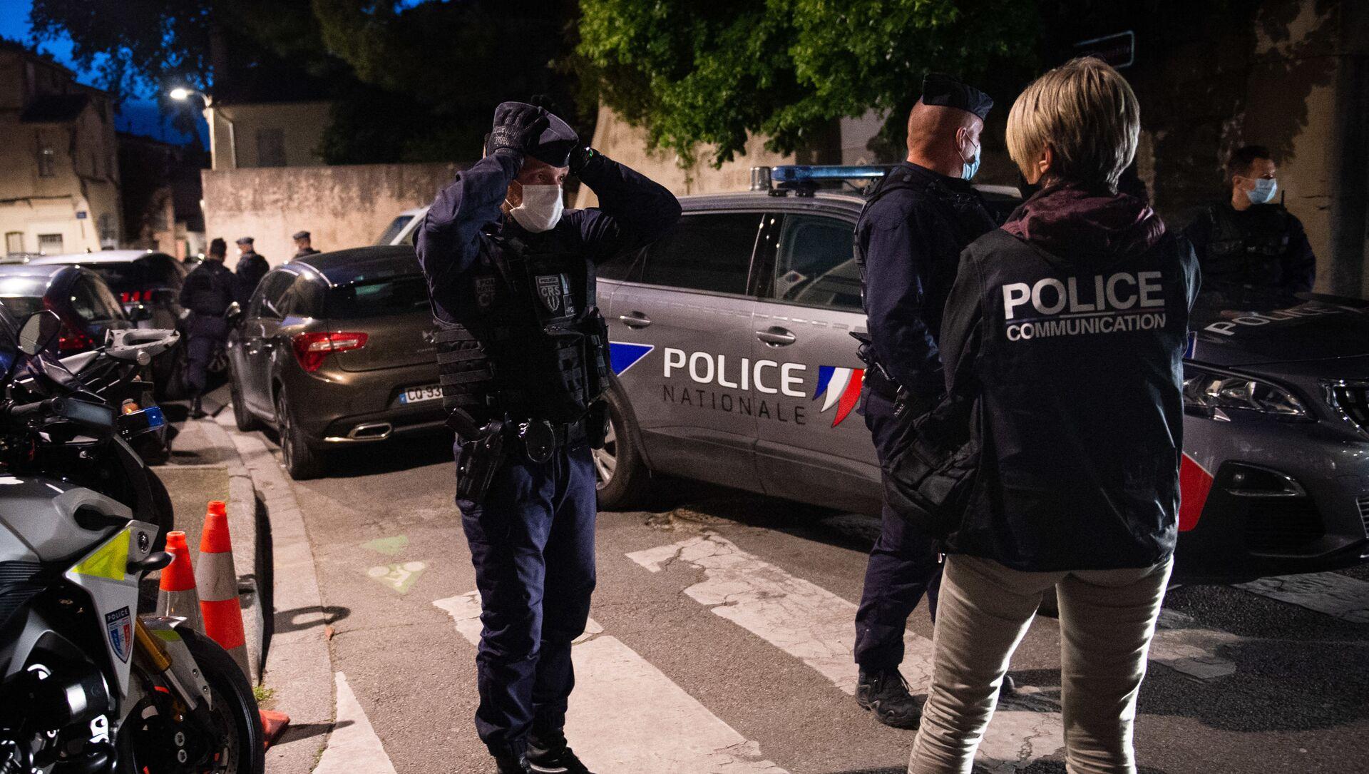 Des policiers à Avignon - Sputnik France, 1920, 02.08.2021