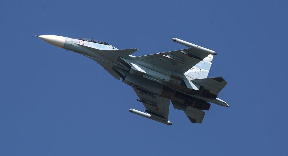 Un Su-30