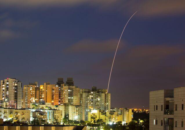 Le système antiaérien Dôme de fer intercepte des roquettes tirées depuis la bande de Gaza, en mai 2021