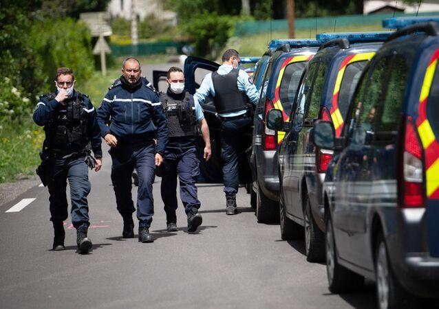 Des gendarmes lors de l'opération dans les Cévennes