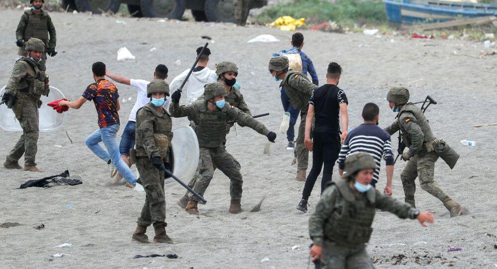 Des migrants marocains à Ceuta