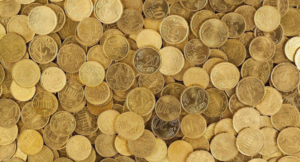 Pièces jaunes. Centimes d'euro. Images d'illustration