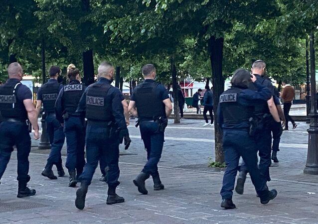 Policiers à Paris