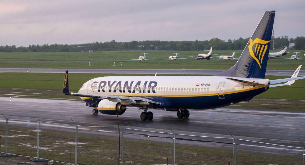 un Boeing 737-8AS de Ryanair à Vilnius