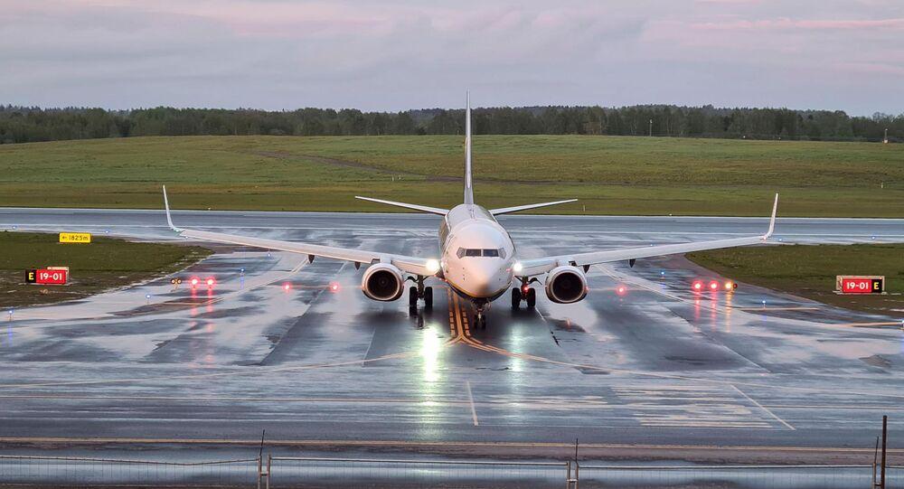 L'avion Ryanair  atterrit à l'aéroport de Vilnius, en Lituanie, le 23 mai 2021