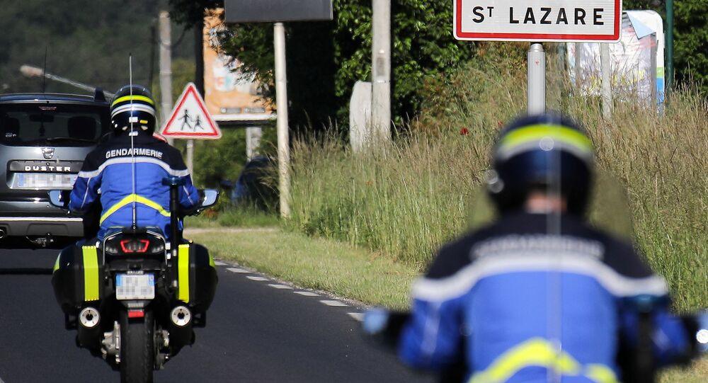 Des gendarmes au Lardin-Saint-Lazare