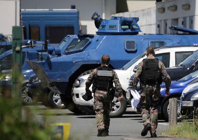 Des gendarmes au Lardin-Saint-Lazare, le 31 mai 2021