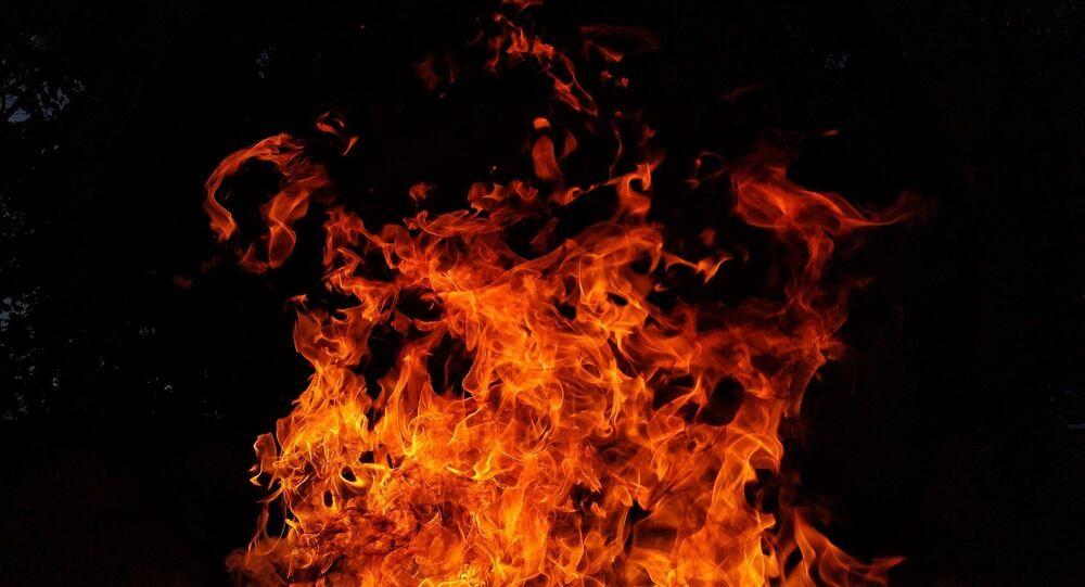 Flammes (image d'illustration)
