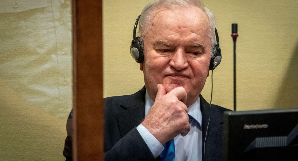 Ratko Mladic dans la salle d'audience à La Haye, le 8 juin 2021