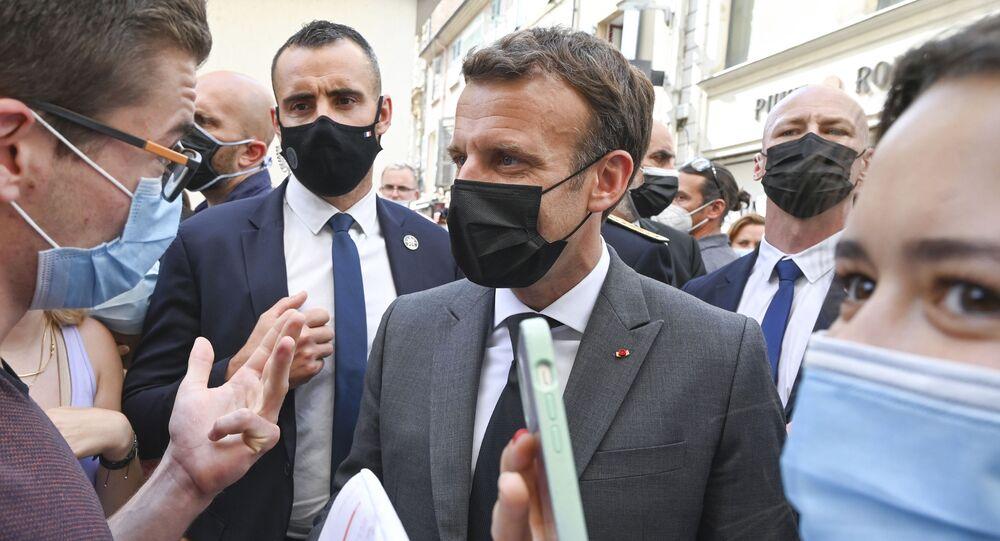 Emmanuel Macron lors de son déplacement dans la Drôme