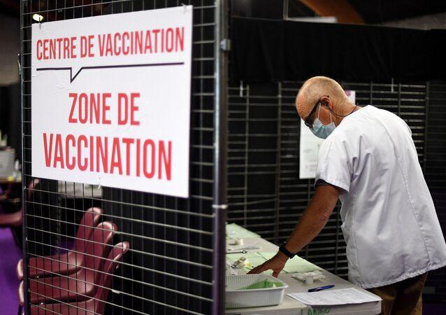 Un centre de vaccination
