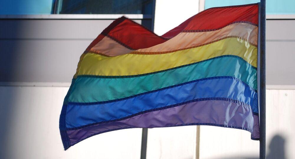Un drapeau LGBT+