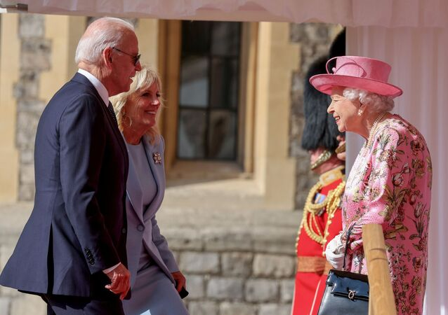La reine Elizabeth II, Joe et Jill Biden, le 13 juin 2021