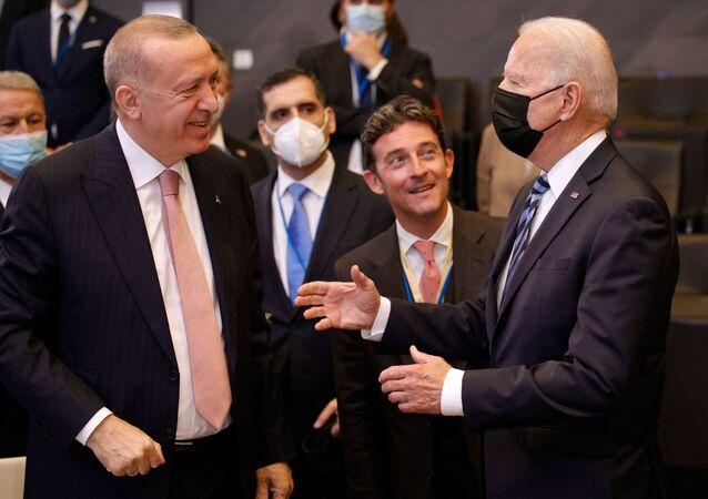 Rencontre d'Erdogan et Biden