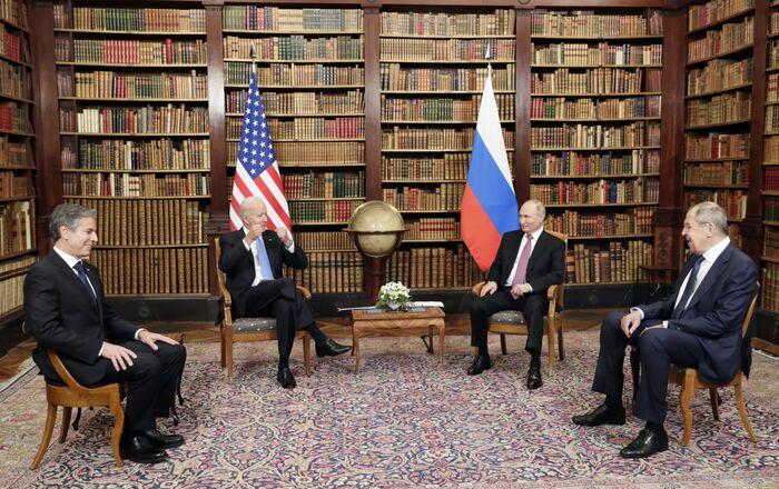 Poutine et Biden lors de leur rencontre à Genève, 16 juin 2021