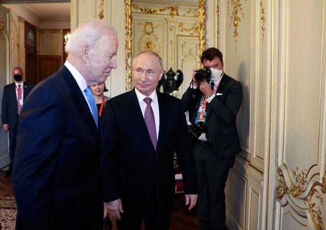 Vladimir Poutine et Joe Biden à Genève