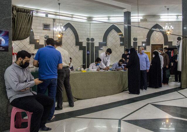 Bureau de vote en Iran