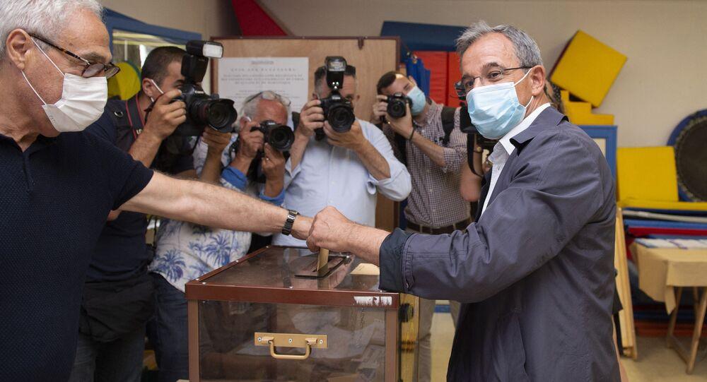 Thierry Mariani vote en Paca