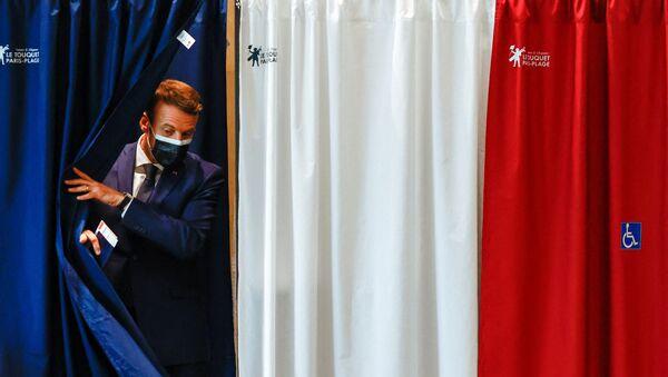 Emmanuel Macron vote pour les élections régionales - Sputnik France
