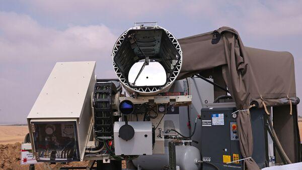 Une photo prise le 30 août 2020 montre le système de défense laser Light Blade, conçu pour intercepter les menaces incendiaires aériennes lancées depuis la bande de Gaza, dans le kibboutz israélien de Kissufum, le long de la frontière avec l'enclave palestinienne. Emmanuel DUNAND / AFP - Sputnik France