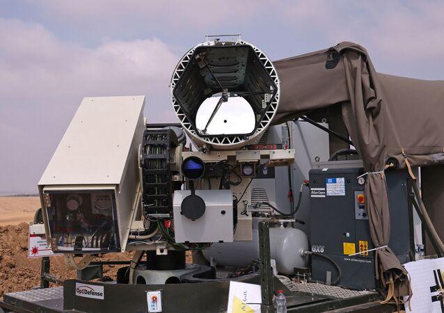 Une photo prise le 30 août 2020 montre le système de défense laser Light Blade, conçu pour intercepter les menaces incendiaires aériennes lancées depuis la bande de Gaza, dans le kibboutz israélien de Kissufum, le long de la frontière avec l'enclave palestinienne. Emmanuel DUNAND / AFP