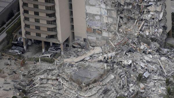 Effondrement d'un immeuble résidentiel près de Miami - Sputnik France