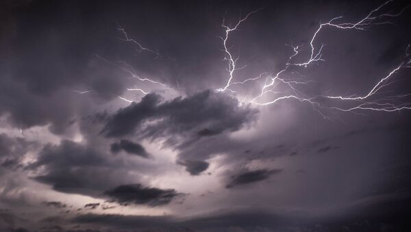Des éclairs, image d'illustration - Sputnik France