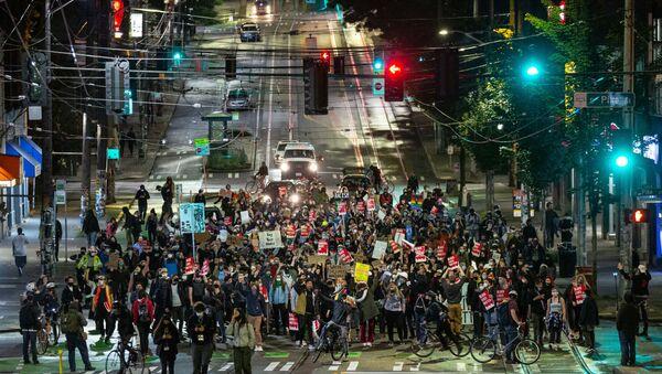 Une manifestation BLM à Seattle, le 9 juin 2020 - Sputnik France