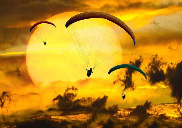 Parachutistes, image d'illustration