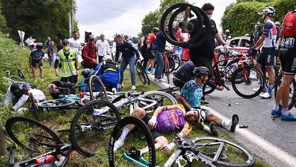 Авария на велогонке Тур де Франс - Sputnik France