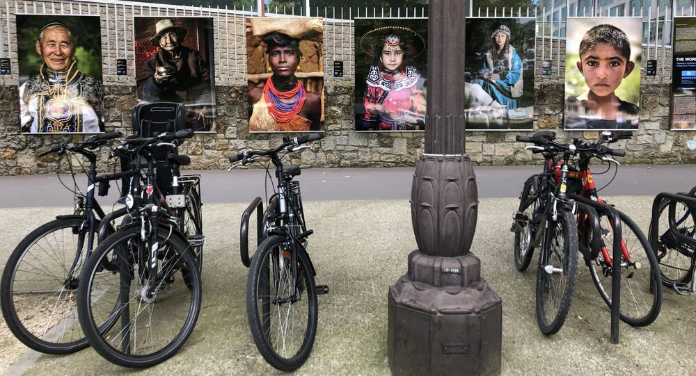Une exposition photo «Les visages du Monde» d'Alexandre Khimouchine est inaugurée à Paris
