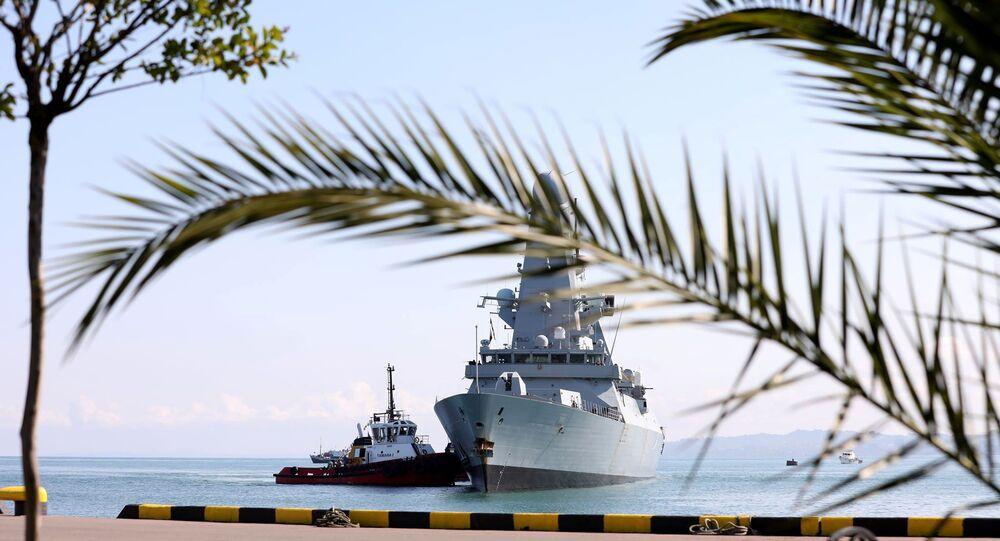 Le destroyer britannique HMS Defender en mer Noire (archive photo)