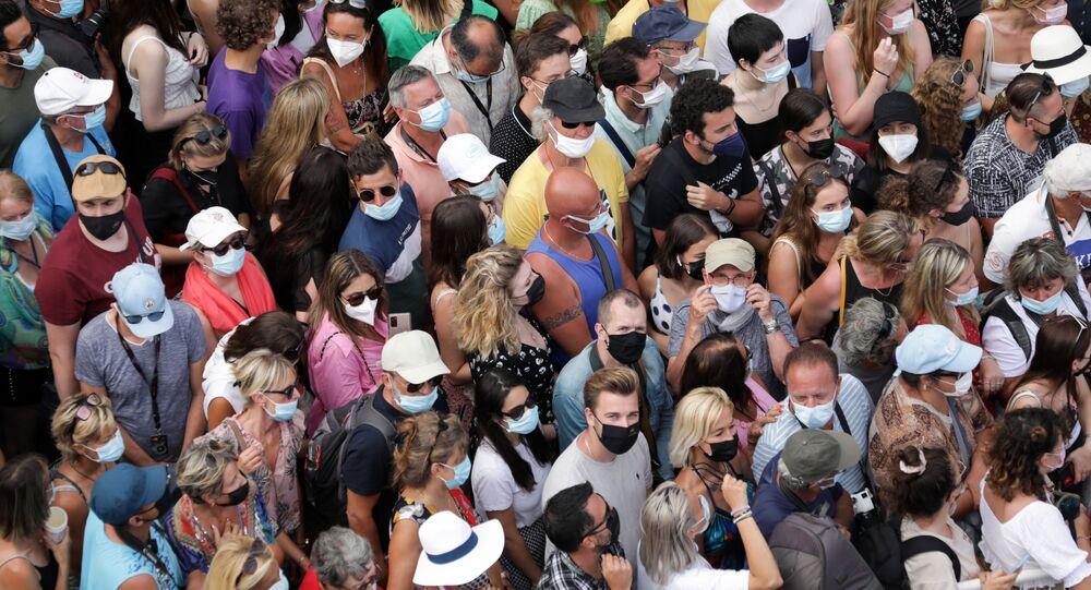 Des spectateurs au festival de Cannes 2021