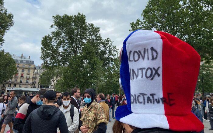 Manifestation non déclarée contre le pass sanitaire, Paris, le 14 juillet 2021