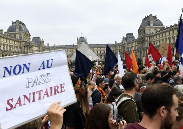 La manifestation contre le pass sanitaire à Paris, le 17 juillet 2021