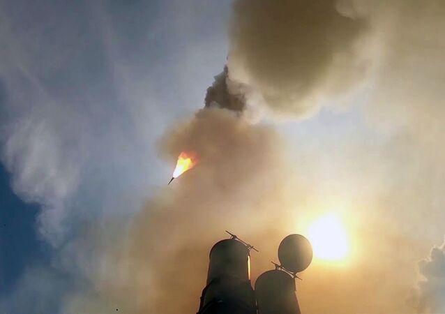 Les tests du nouveau système de missiles antiaériens S-500