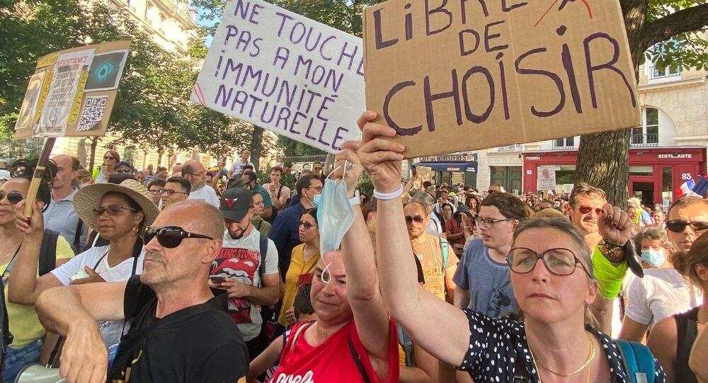 Manifestation contre le pass sanitaire et la vaccination obligatoire des soignants, 21 juillet 2021, Paris
