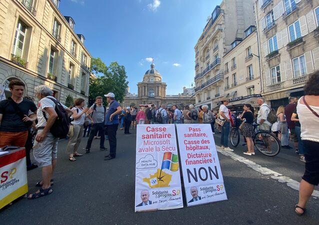 Manifestation contre l'extension du pass sanitaire à Paris, le 22 juillet 2021
