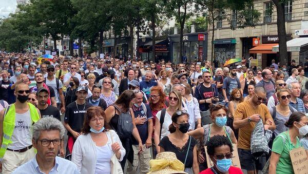 Manifestation contre le pass sanitaire à Paris, le 24 juillet 2021 - Sputnik France