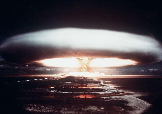 Explosion nucléaire à Mururoa en 1971 (Photo AFP)