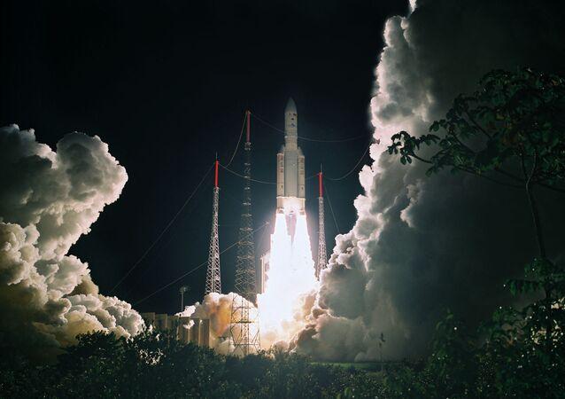 Décollage d'Ariane 5 à Kourou, le 21 mai 2010. (PHILIPPE BAUDON / CNES / AFP)