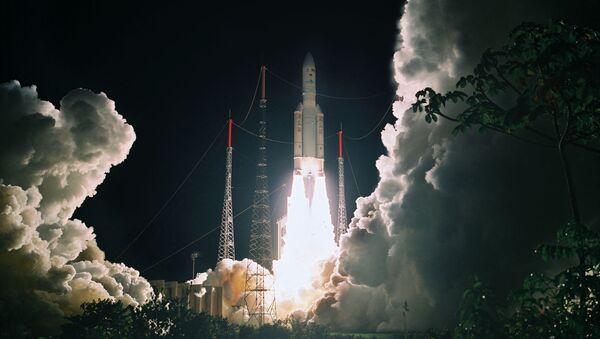 Décollage d'Ariane 5 à Kourou, le 21 mai 2010. (PHILIPPE BAUDON / CNES / AFP) - Sputnik France